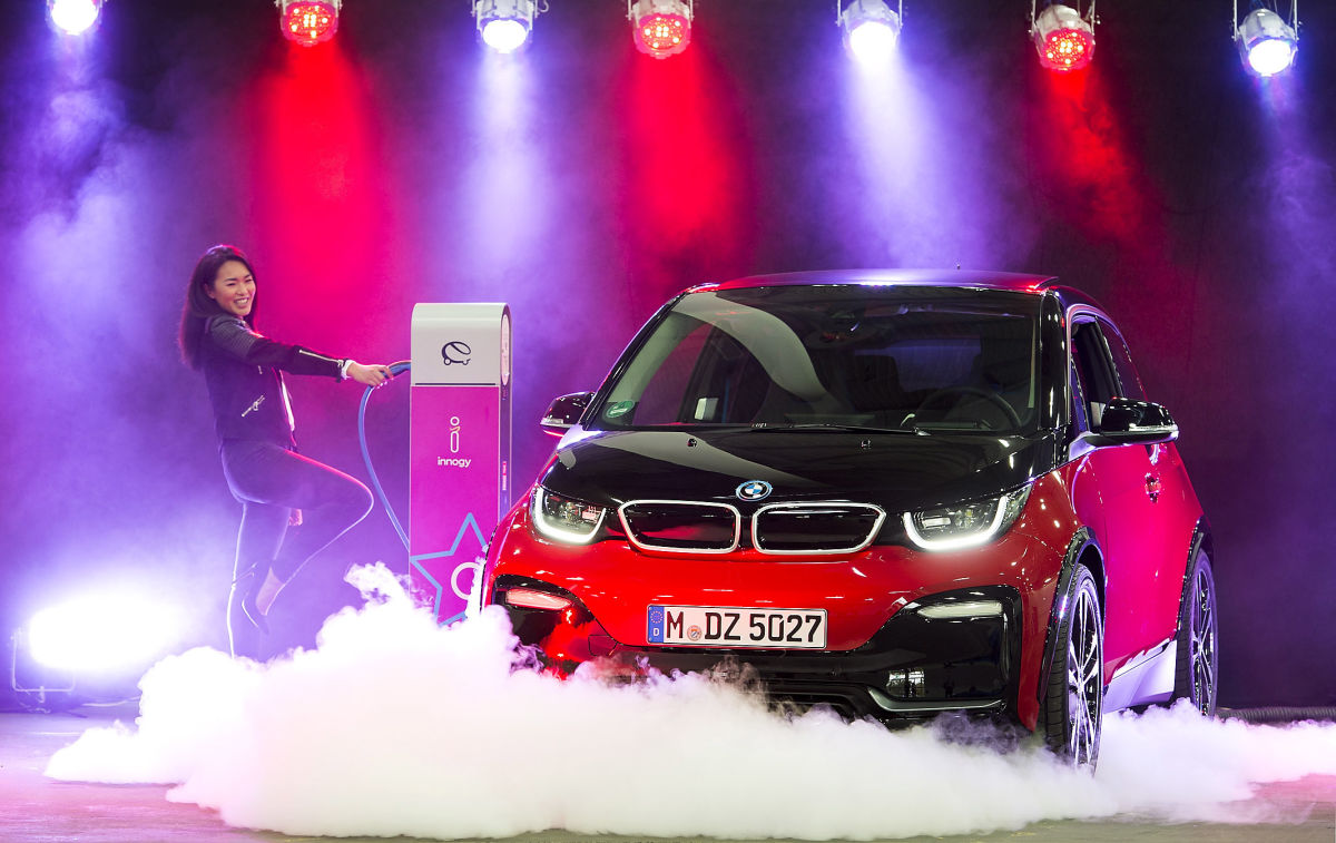 BMW i3s and Nissan Leaf Sparkle in the Spotlight